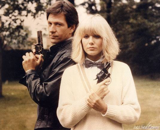 Michael Brandon, Glynis Barber as Dempsey & Makepeace-ová wallpaper tapeta 1900 x 1544 px